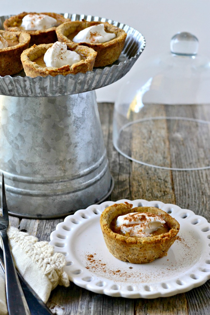 Paleo Vegan Mini Pumpkin Pies