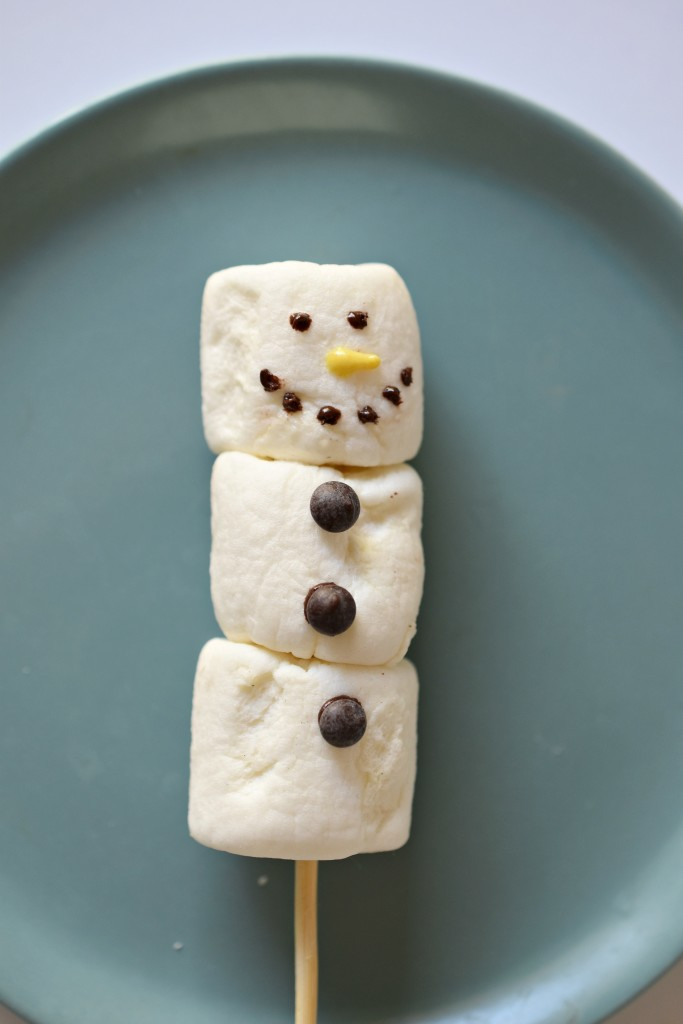 Vegan Marshmallow Snowmen Tutorial Step 6