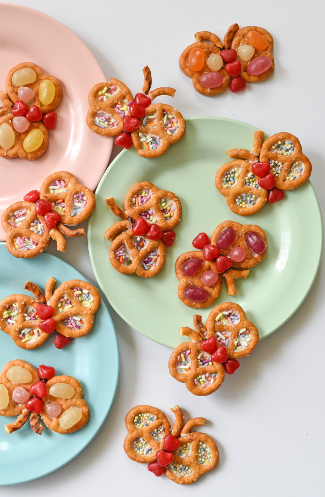 Celebrate spring by turning your favorite gluten free pretzels into these sprinkle and candy-filled edible Pretzel Butterflies.